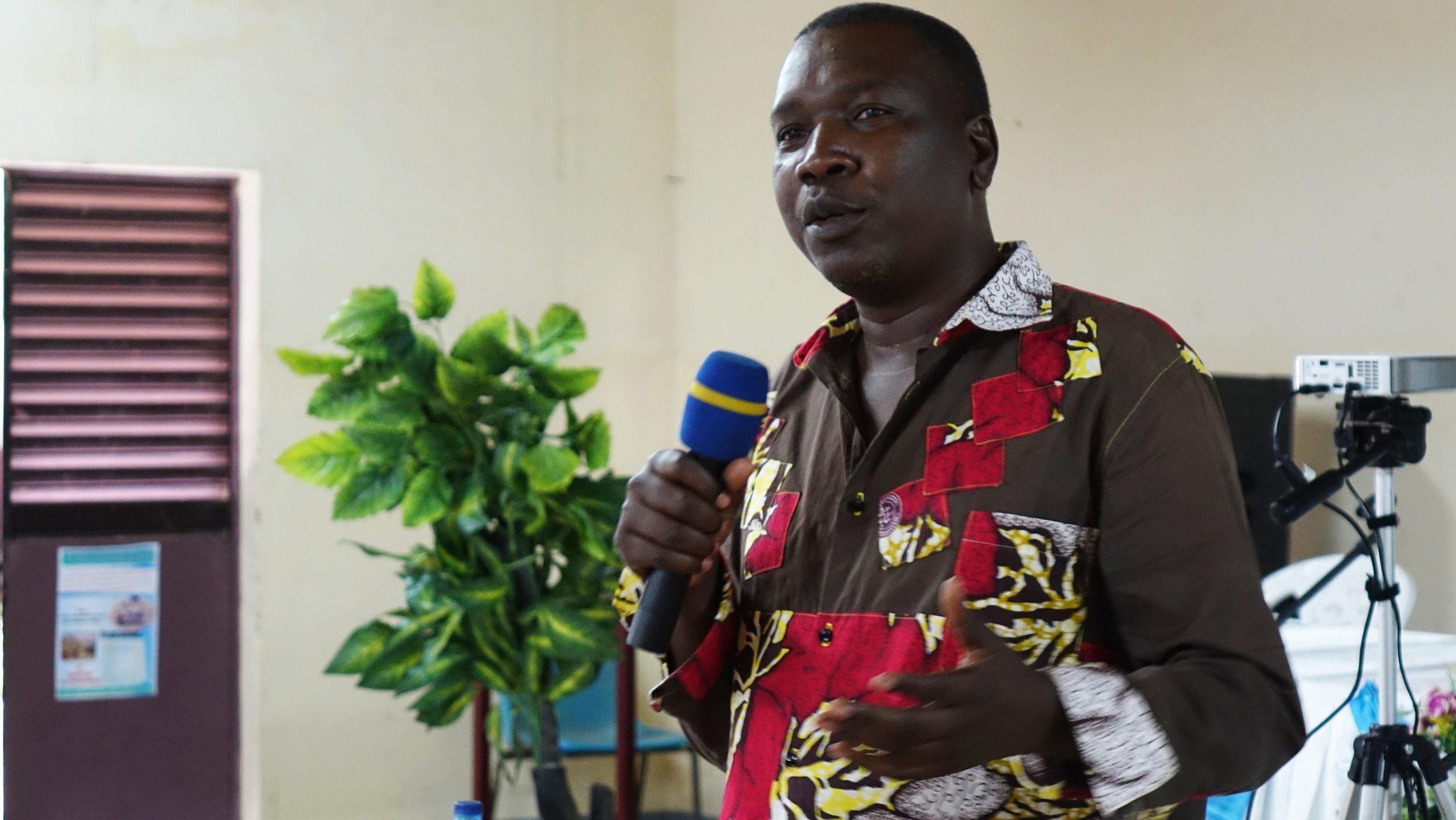 Alphonse Teyabe, pasteur, docteur et chargé de communication, notamment formateur RED