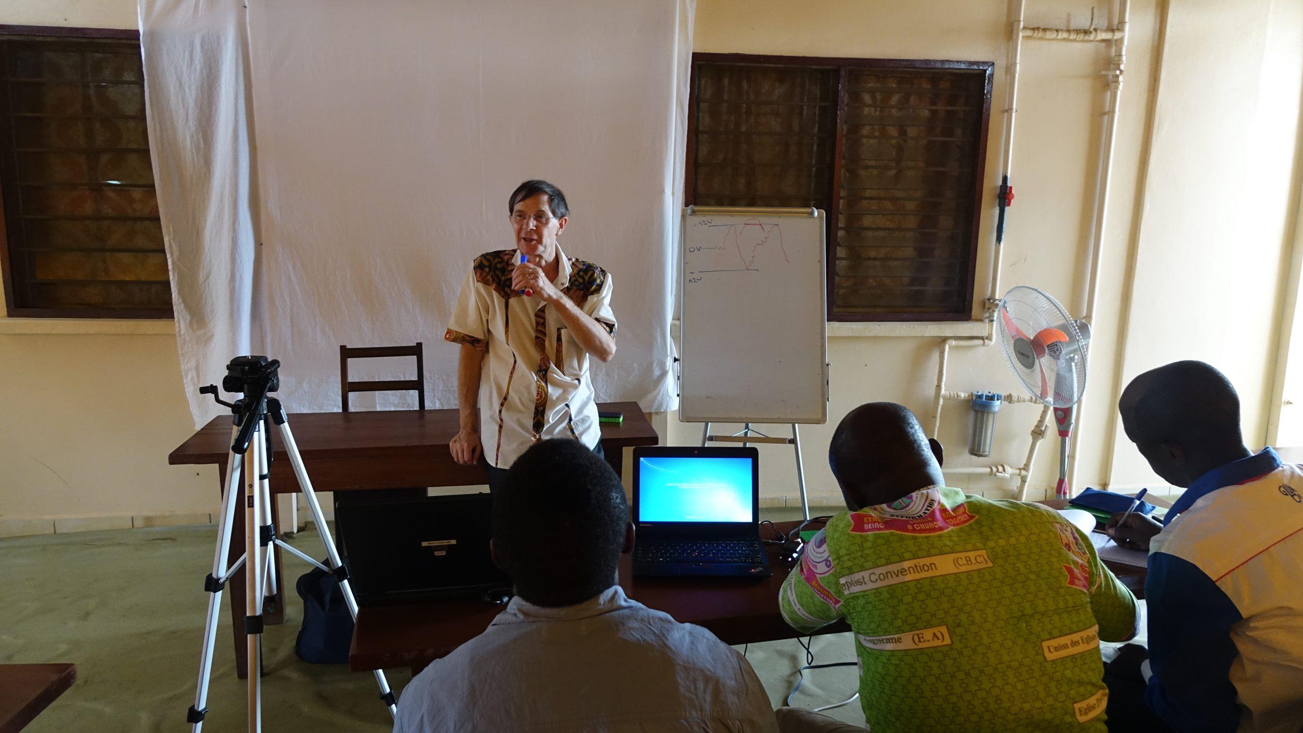 Christian Gaspoz formation des formateurs radio RED Yaoundé