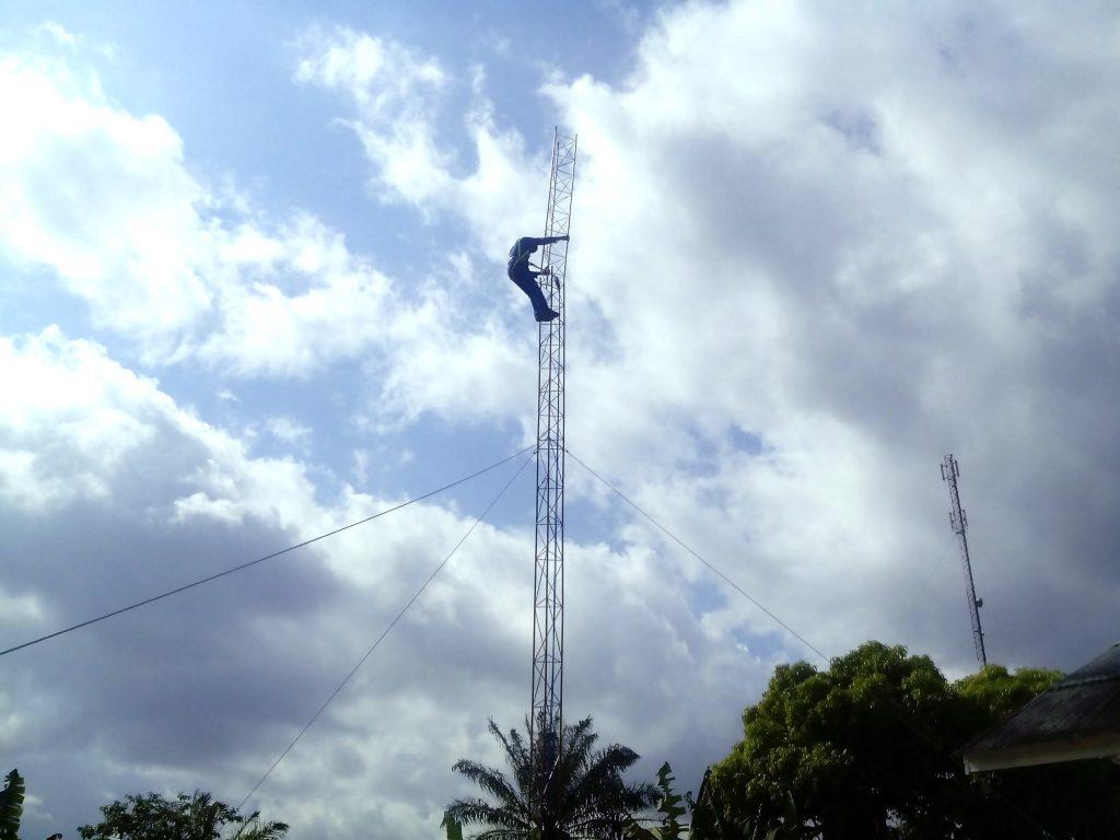chantier pylône Ndoungué